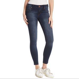 1822 Denim Mid Rise Skinny Jeans